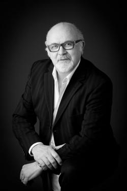 Gianfranco Tudico Konstruktor i właściciel wielu patentów związanych z medycyną estetyczną, kosmetologią i rehabilitacją. Przez wiele lat (1986 – 2005) związany z LPG Systems jako projektant i dyrektor generalny. Od 2006 roku pracuje niezależnie. Twórca m.in. ICOONE i IMOOVE.