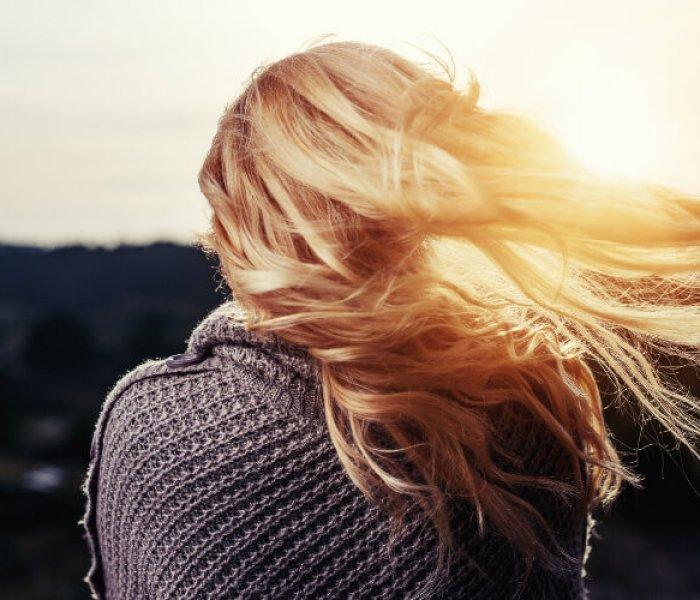 Zestawienie kosmetyków trychologicznych przeciwko wypadaniu włosów